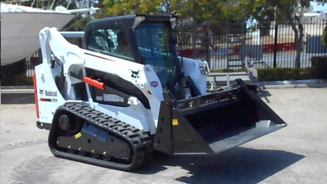 Where to find BOBCAT 590 TRACK MACHINE in Columbia